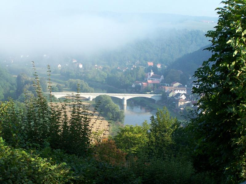 most ve Zbečně