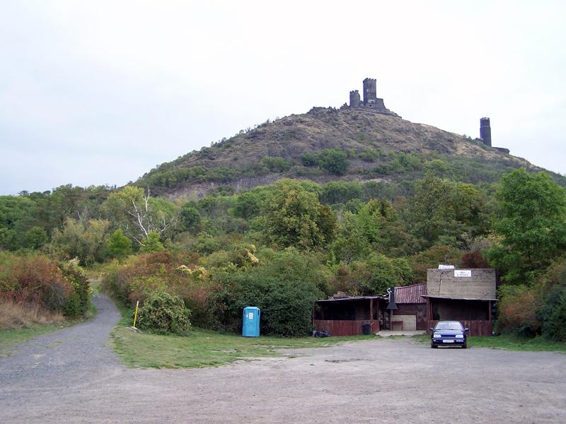 parkoviště pod hradem